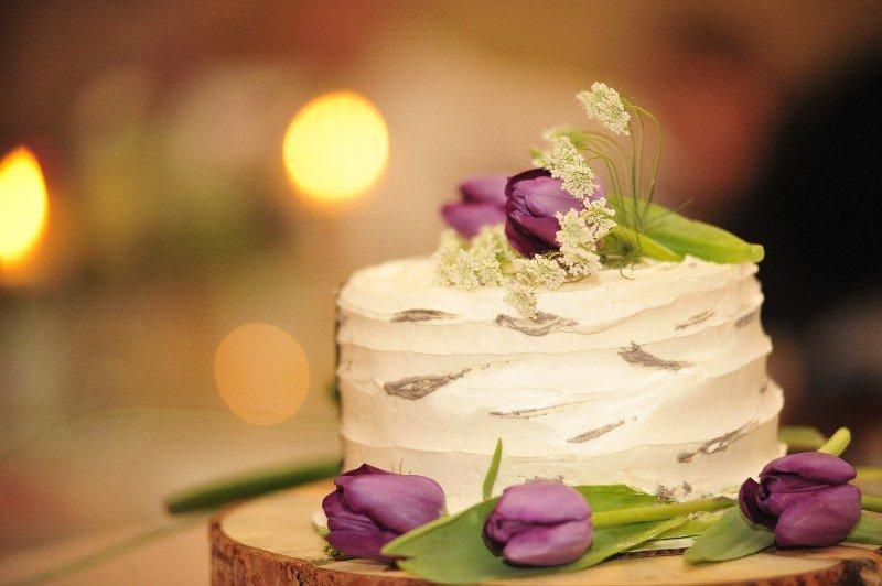 Wedding Cakes – Fiona\'s Delicatessen & Catering